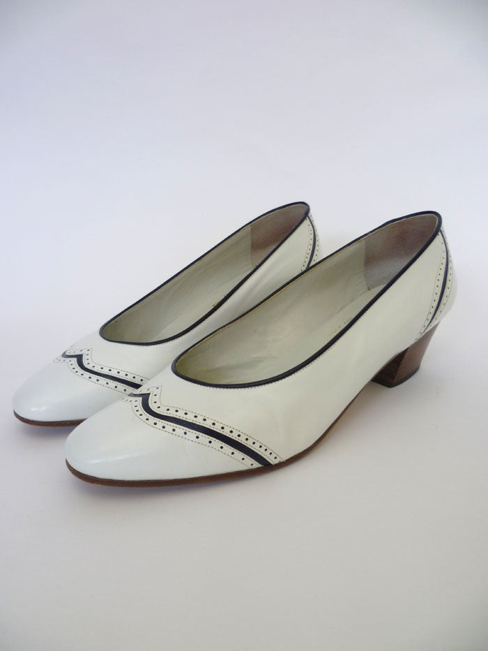 VINTAGE 1960s SIMPSON COURT SHOES 7.5