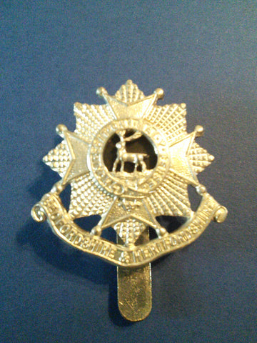 Bedfordshire and Hertfordshire Regiment original beret badge