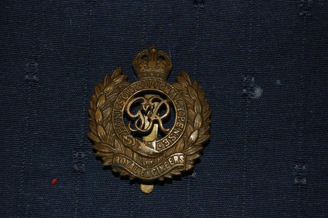 Royal Engineers cap badge, WW2