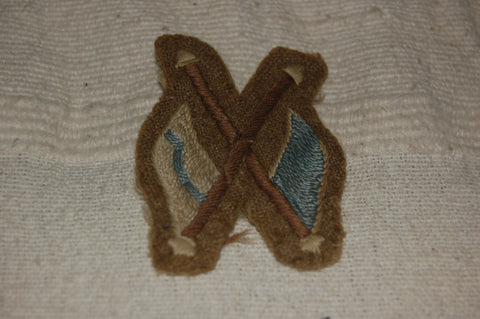 Cloth badge for a Regimental Signaller or a Signals Instructor