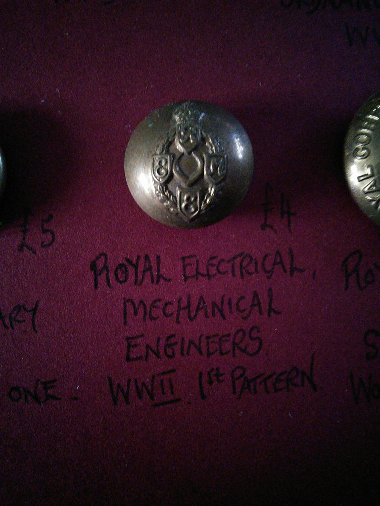 Original Royal Electrical and Mechanical Engineers Button