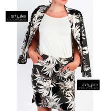 Load image into Gallery viewer, Black, Taupe & Cream Print Blazer with Button