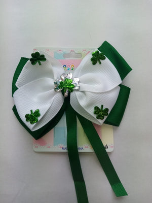 White on green clip