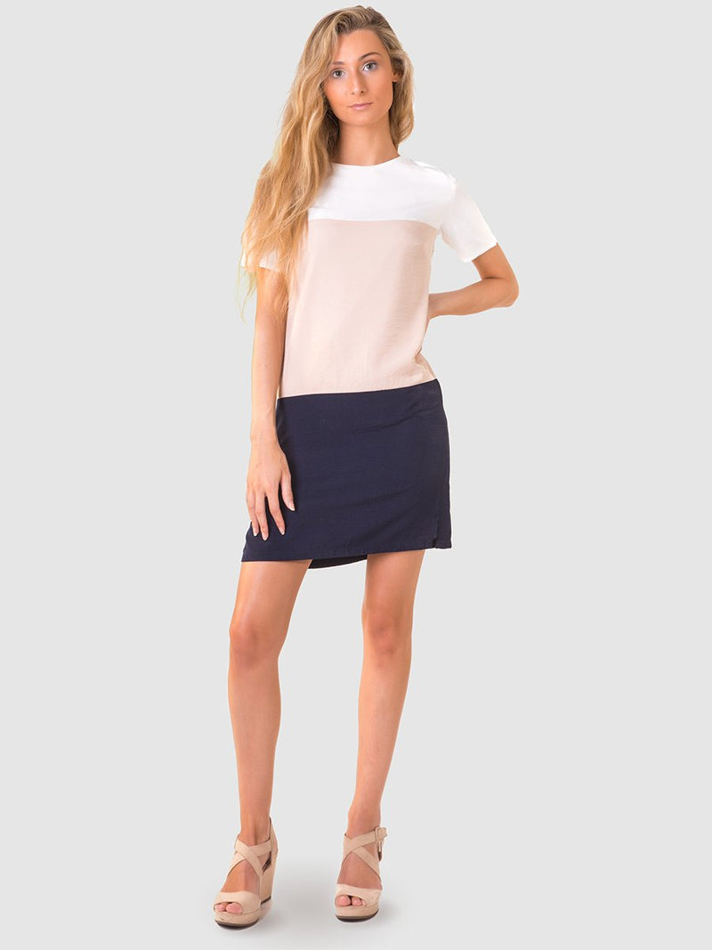 Colourblock shift dress in White/nude/navy with 1/3 sleeve