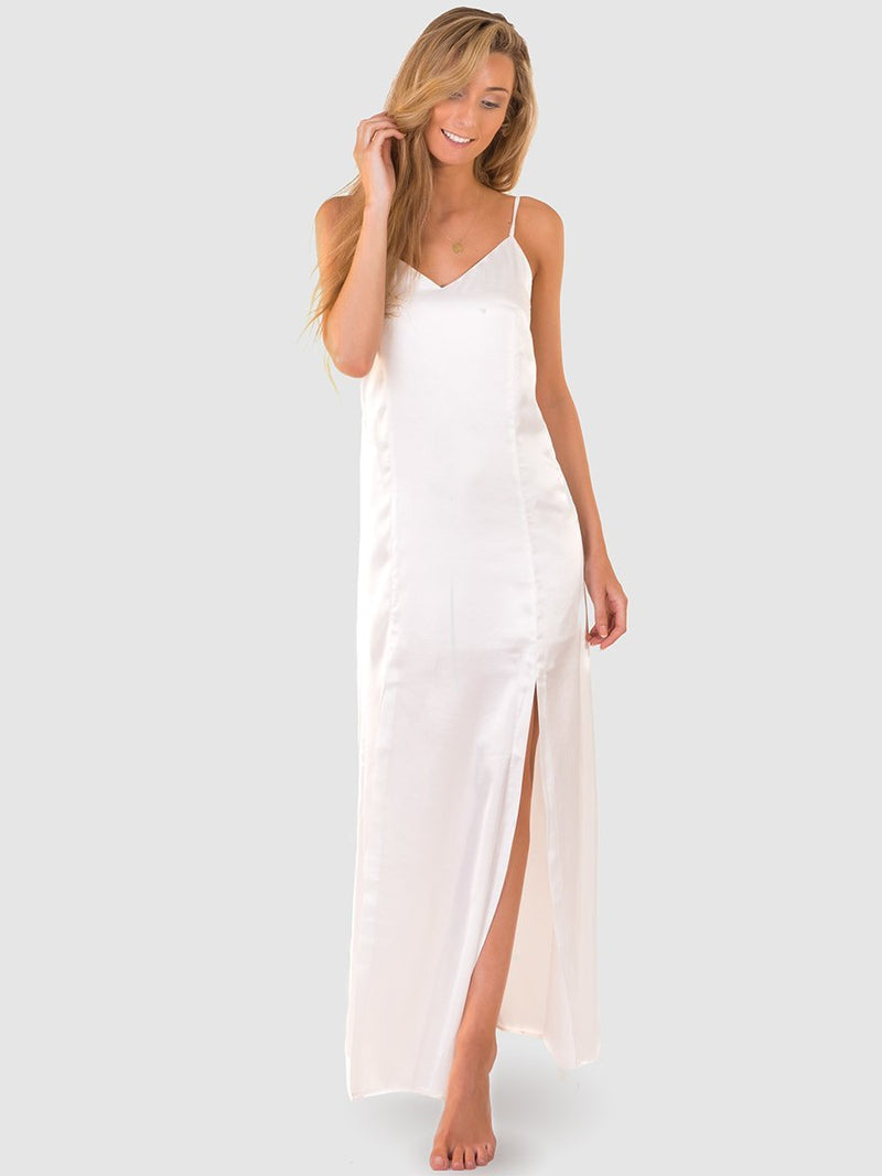 Maxi dress in white satin with long leg splits