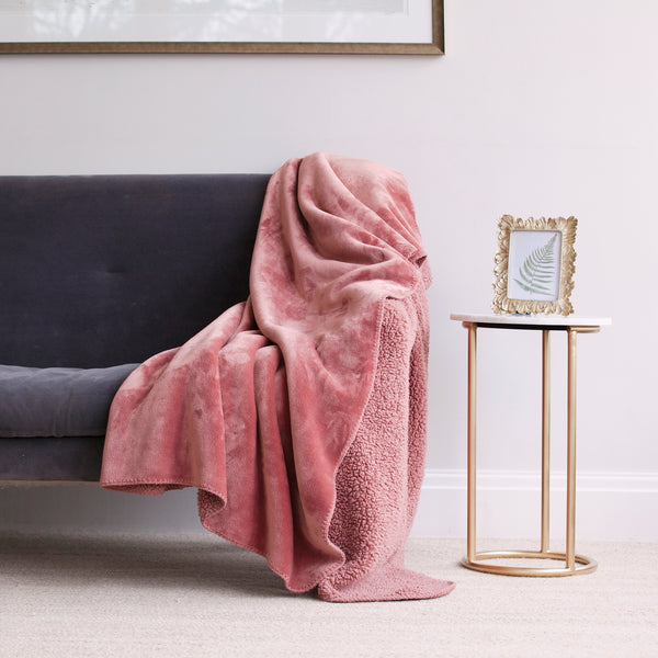 Cosy Throw