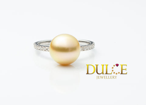 18K Gold Southsea Pearl Diamond Ring
