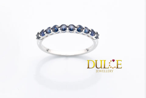 18K Gold Blue Sapphire Ring