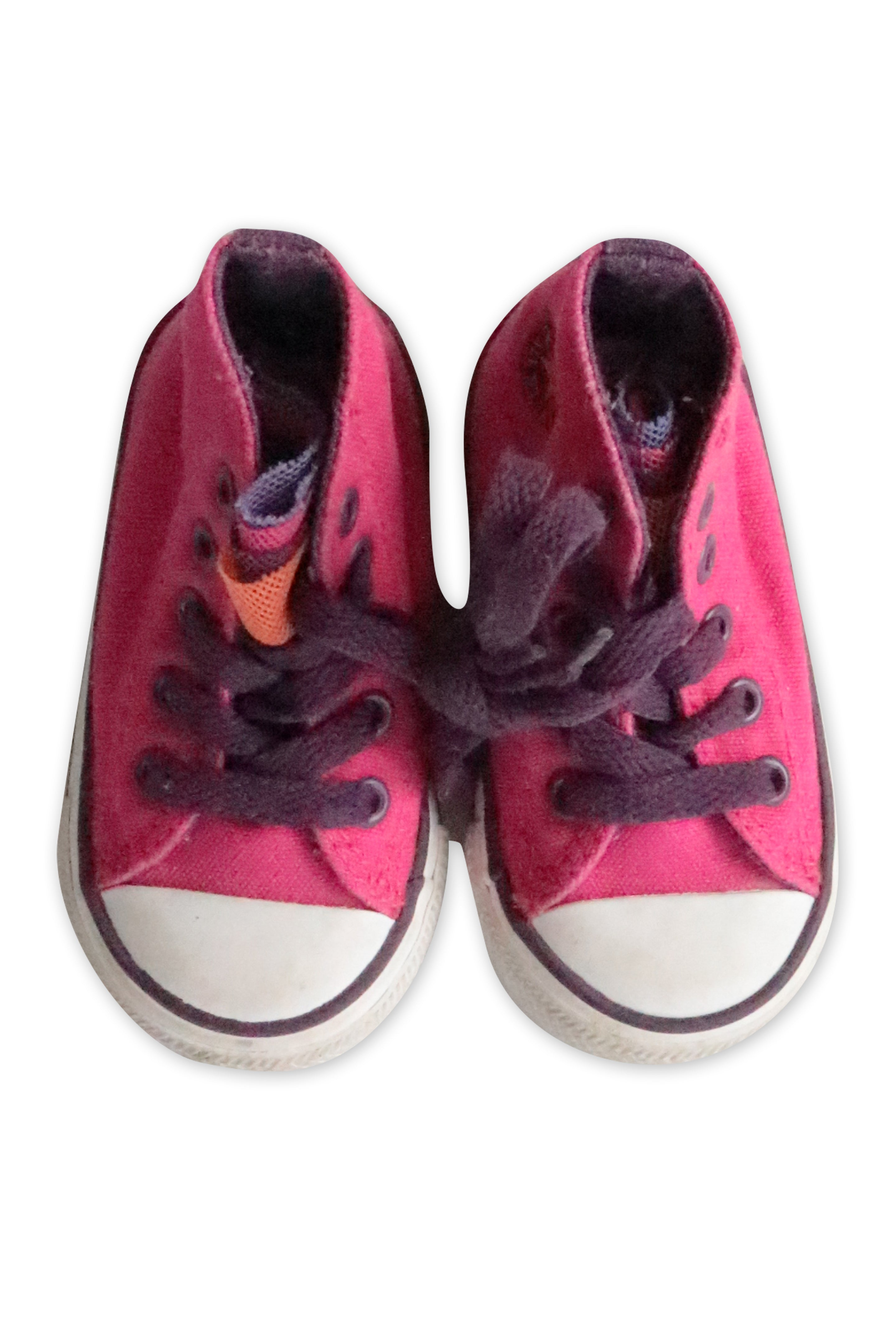 Converse Sneakers, 4