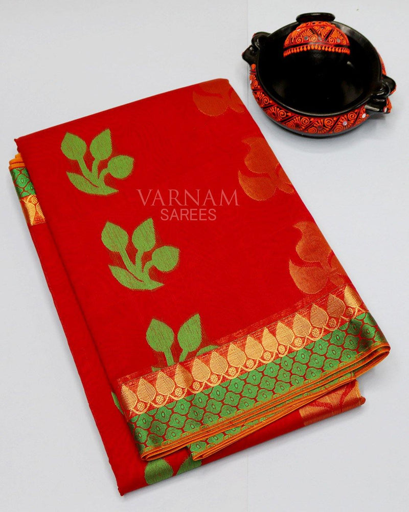 RED SILK COTTON SAREE WITH LEAF THREAD AND SIMPLE BORDER -  Varnam Sarees : Kanchipuram silk saree | Silk Cotton Sarees | Soft Silk Sarees.