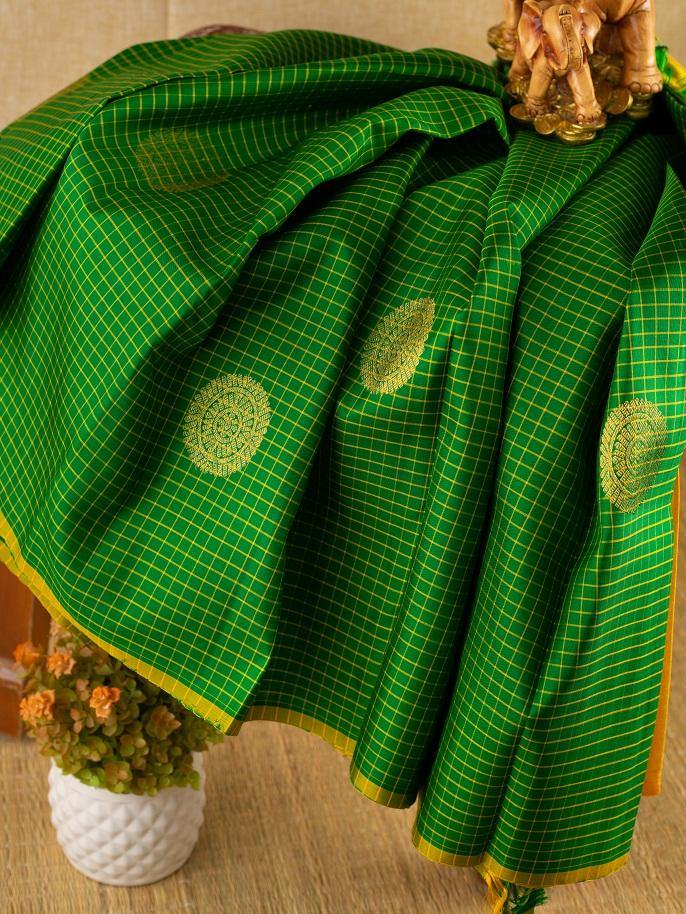 GREEN CHECKERED BORDER LESS KANCHIPURAM SILK SAREE -  Varnam Sarees : Kanchipuram silk saree | Silk Cotton Sarees | Soft Silk Sarees.