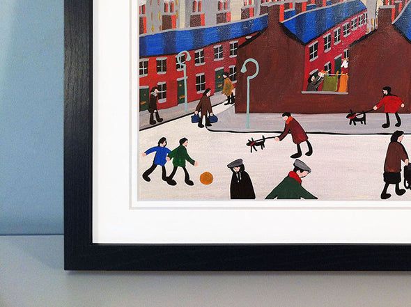 TIME TO TAKE IN THE WASHING - framed print
