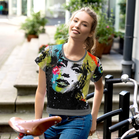 MARILYN GRAFFITI All-Over Print Crop Tee