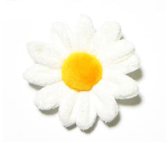 Daisy plush pin