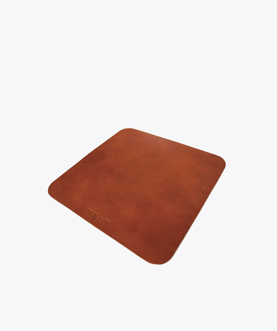 Alcaria Mouse Base. Ideal&co. Mouse leather base. Leather mouse pad.