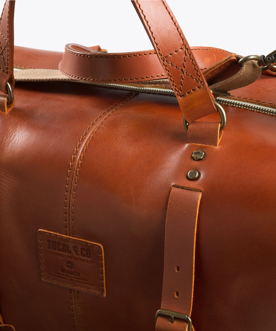Lapiás Weekend Bag. Weekender bag. Leather bag. Ideal&co