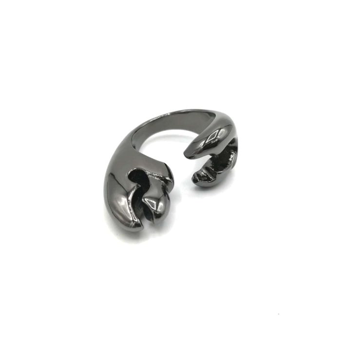 """Glauco Pincers Ring - Studio Barattolo. Second Ring of the series """" Crab Collection"""". Handcrafted products , made in Italy, with the lost wax casting technique. Black Ruthenium plated bronze ring, Nickel free."""
