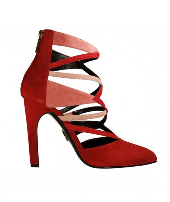 Luisa Tratzi decolletè model shoe with detail cuts and openings