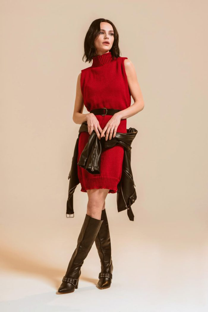 red knitted mini dress with high neck arianna di maio