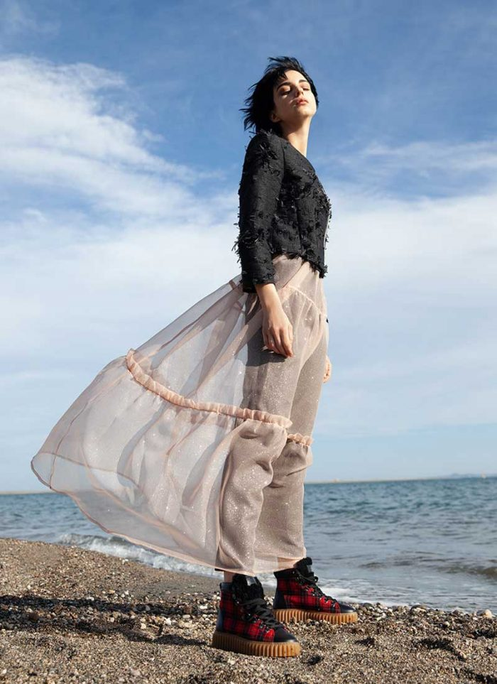 Look by Cettina Bucca: black sweater layered on a powder pink tulle dress