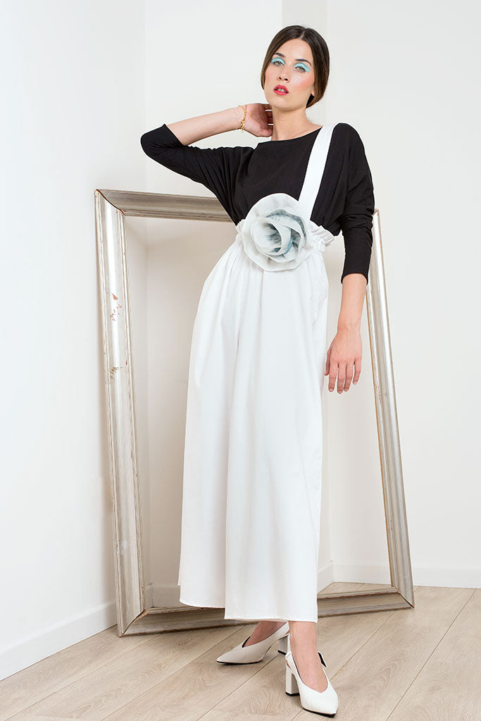 Chiara Perrot white trousers-skirt with maxi flower at the waist