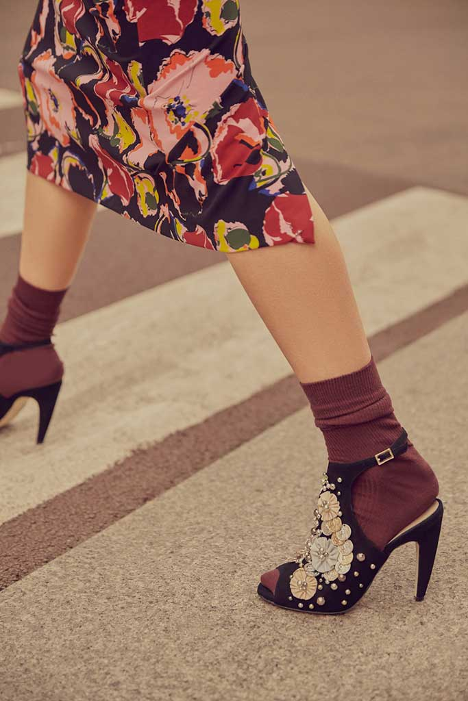 Susana Madrid sandals with stones and flowers