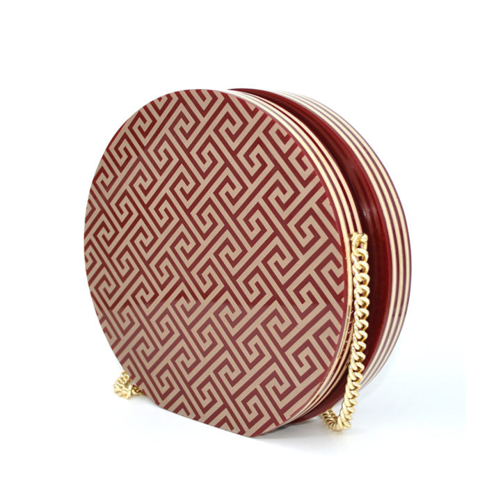 red sahara roma bag with gold chain