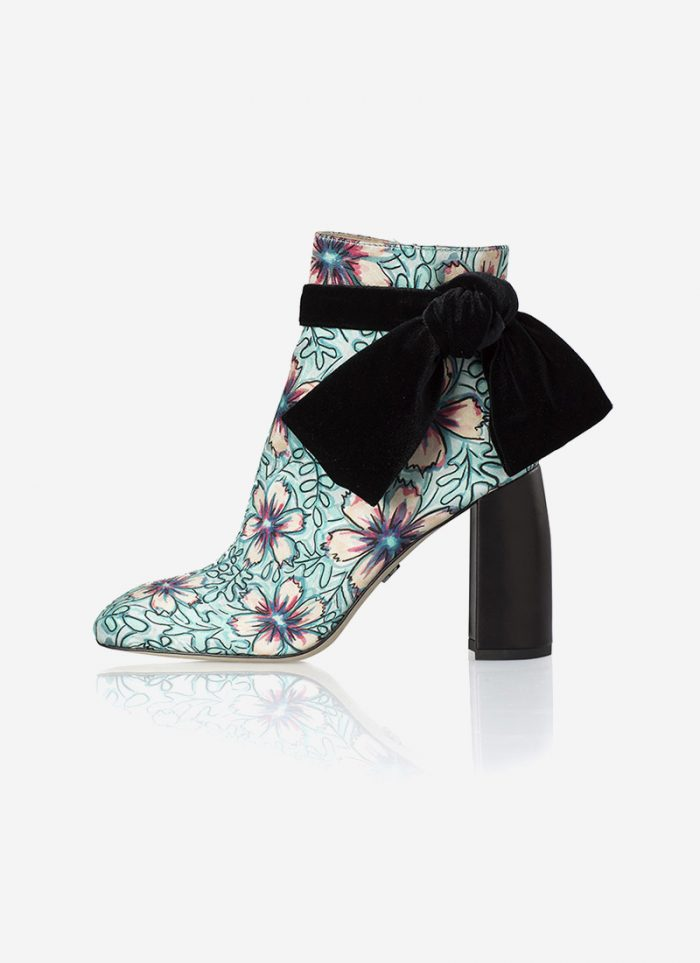 Shoes: a new approach for the contemporary woman. Ankleboots by Susana Madrid.