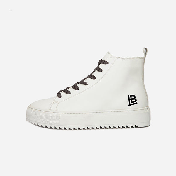 Luca Berioli white sneakers with black laces and logo