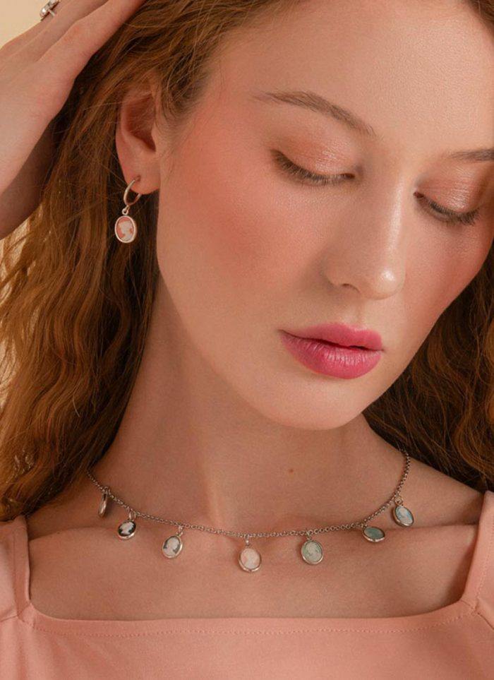 Earrings and necklace with Vintouch cameos