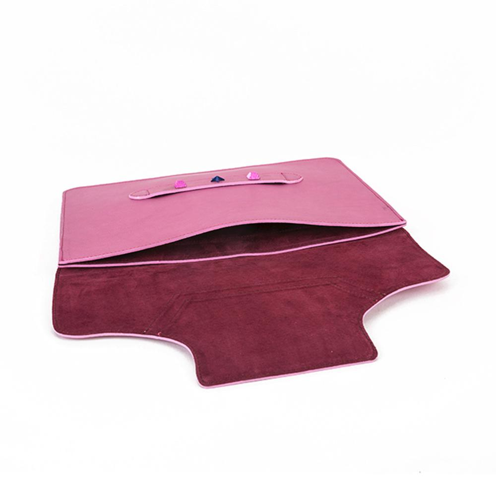 iPad Case Metal Pink - Kristina C. iPad case in pink metallic calfskin leather, light and easily wearable. Interior in plum pigskin leather. Details with metal studs. 100% Made in Italy.