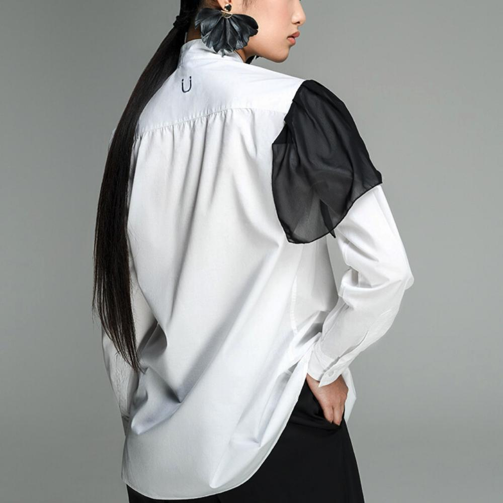 Black & White - YouareU Magnetic Shirt. M-shirt, women'Äôs shirt with magnetic closure.¬ÝEach M-shirt is hand made exclusively for each client by tailors in Naples, Italy. The technology is protected by an international patent.