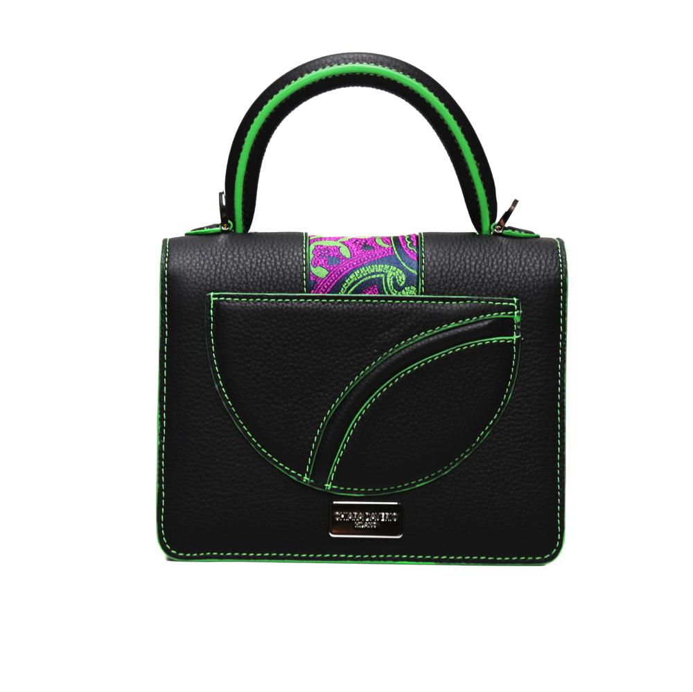 Mini Lady Black - Chiara Daverio.¬ÝMini Lady takes its shape from the classic 'Äútrunk'Äù and it is the 'Äúmust have'Äù of the Chiara Daverio collection.¬ÝWith the typical band in silk this handbag is small but roomy at the same time, right for every occasion.