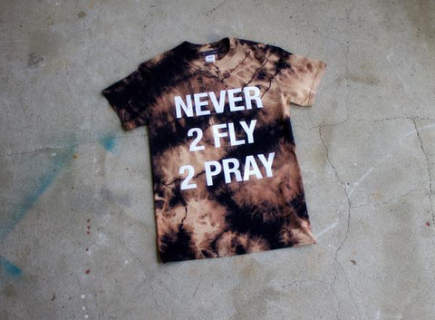 NEVER 2 FLY 2 PRAY LOGO SHIRT - ACID WASH