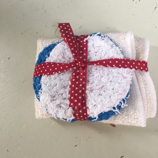 Scrubby bundle with exfoliator, two cotton scrbbies and a muslin cloth