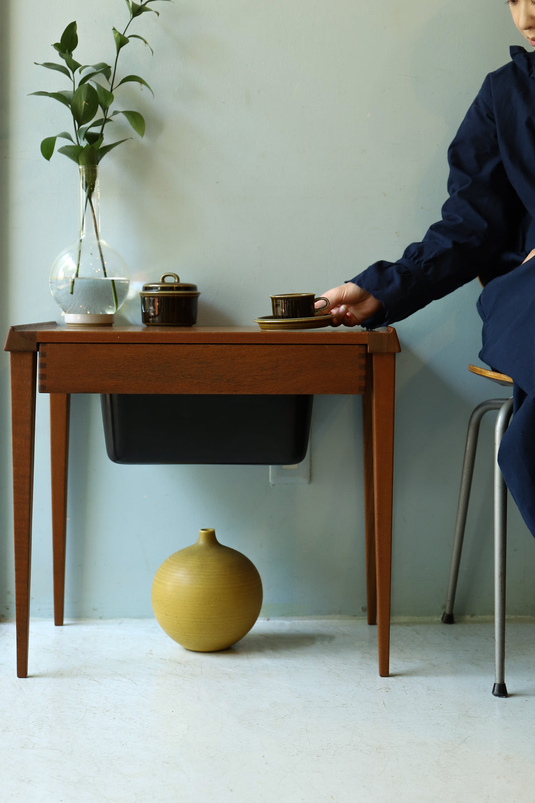 Danish Vintage Sewing Side Table/デンマークヴィンテージ ソーイングテーブル チーク材 モダンデザイン 北欧家具