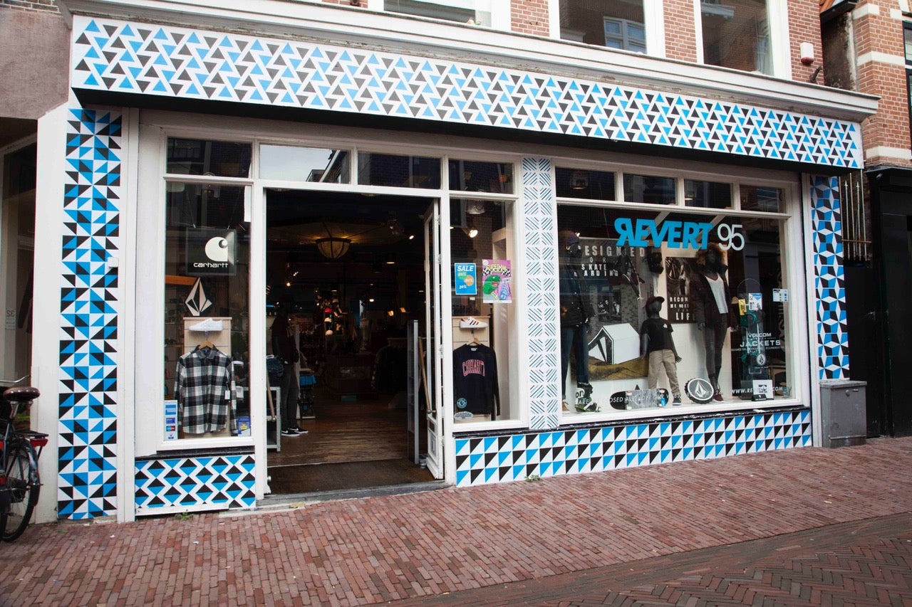 You can find Revert 95 at Kleine Houtstraat 30 in Haarlem since 1995. If you are looking for skateboards, streetwear and trainers, you are looking for us.