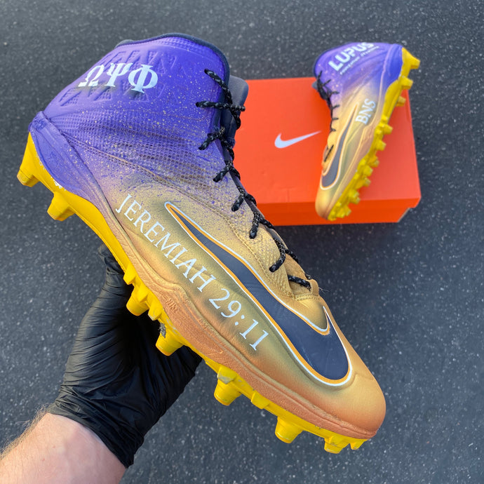 LA Chargers #78 Trent Scott Tackles Down Bringing Awareness to Lupus in His Custom Cleats