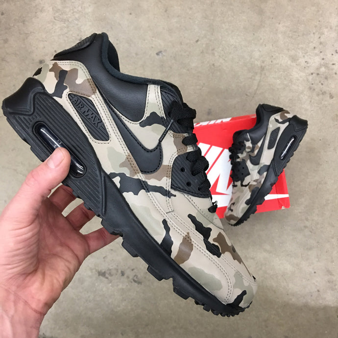 Custom Painted Leather Nike AM90 'Desert Camo' Behind the Scenes