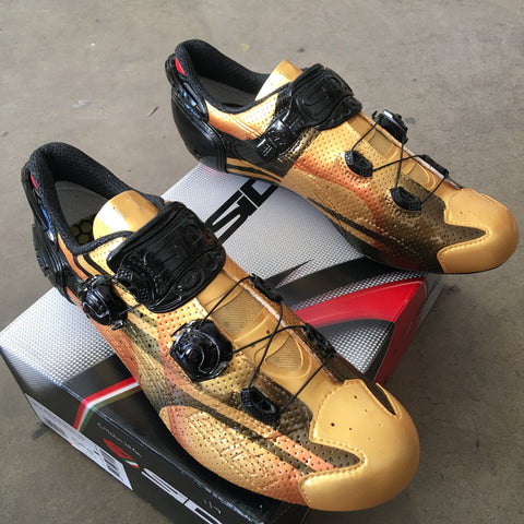 custom road shoes, painted cycling shoes