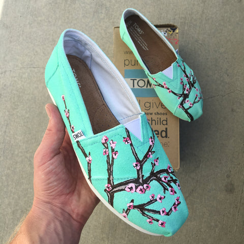 Arizona Green Tea Custom Painted TOMS