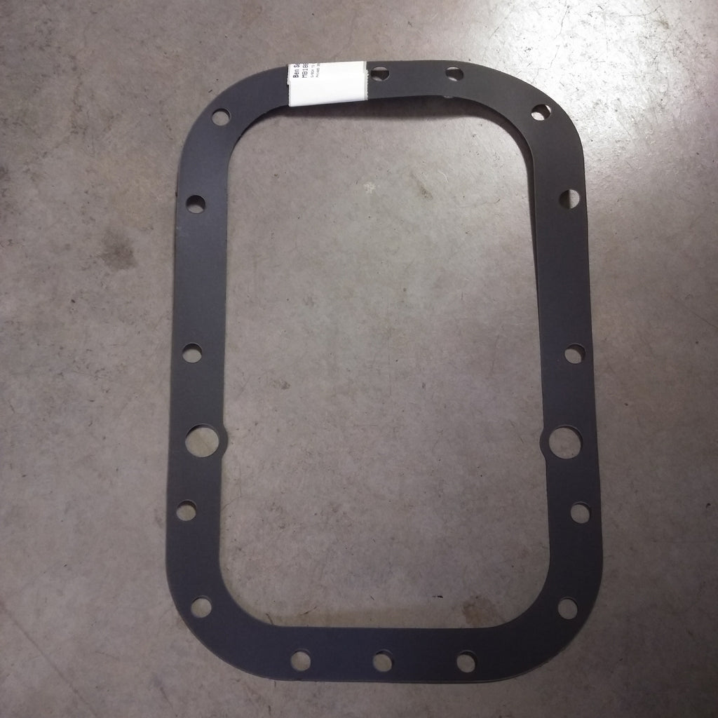 Gasket between gearbox/backend