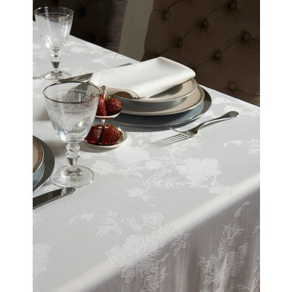 Moscow Spill Proof Table Cloth