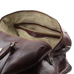 Voyager Travel leather duffle bag with pocket on the backside - Large size