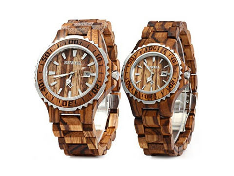 The Bewell's couple watches feature a nearly identical design.