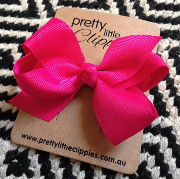 Pretty Little Clippies' stunning red bow hair clip