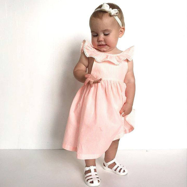 Isla Rose wearing Jeslee Pink Small Bow Headband (by Pretty Little Clippies Australia)