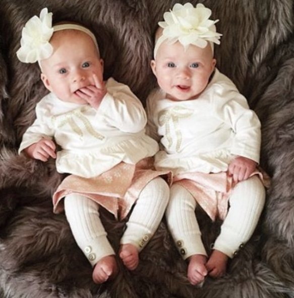 Beautiful twins wearing Pretty Little Clippies Australia Peaches Newborn Baby Headband