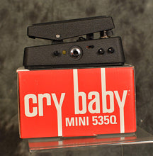 Load image into Gallery viewer, Dunlop Cry Baby 535Q Multi-wah Mini Version