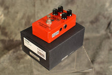 Load image into Gallery viewer, MXR M228 Dyna Comp Deluxe Compressor Pedal